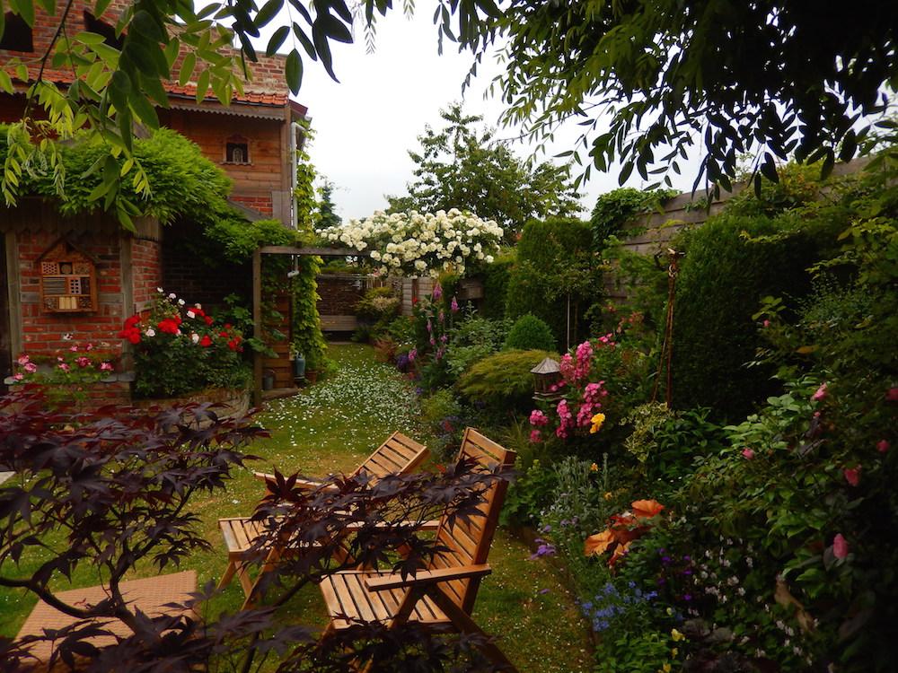 Paysagiste l 39 artisan la main verte for Jardiniers paysagistes