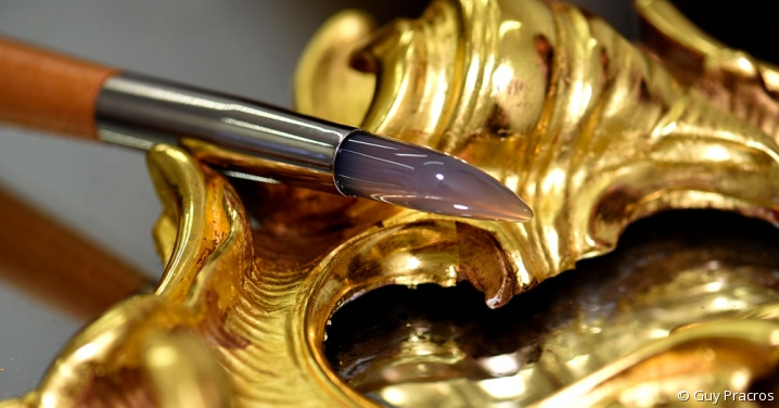 vue d'un brunissoir en agathe - instrument pour dorure