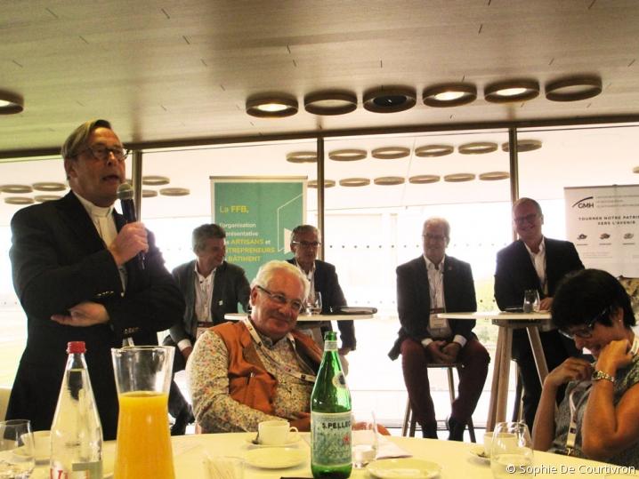 photo d'ambiance de la conférence organisée par la FFB sur la restauration de Notre-Dame de Paris