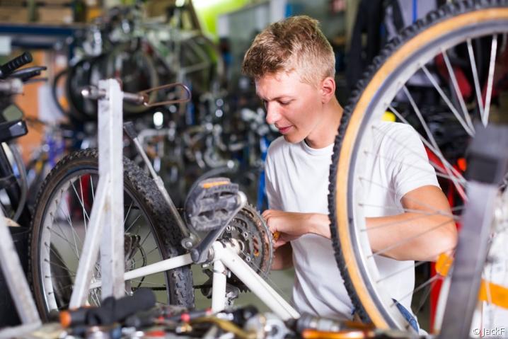 réparateur de vélo