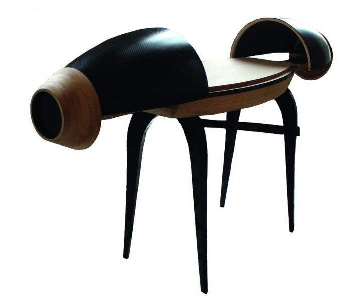 Bureau contemporain conçu et réalisé par des étudiants en BTS Design et des apprentis ébénistes du CFA d'Eschau.