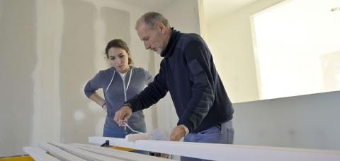 Apprentie peintre en bâtiment