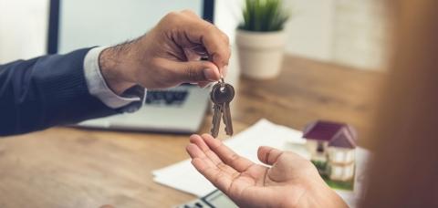Transaction des clés entre un cédant et un repreneur
