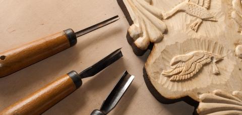 Atelier de gravure d'un artisan d'art