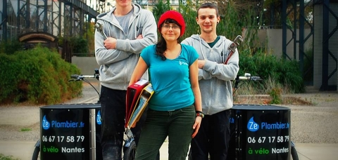 Ze Plombier, entreprise courronnée pour son concept écologique de plomberie par vélo triporteur.